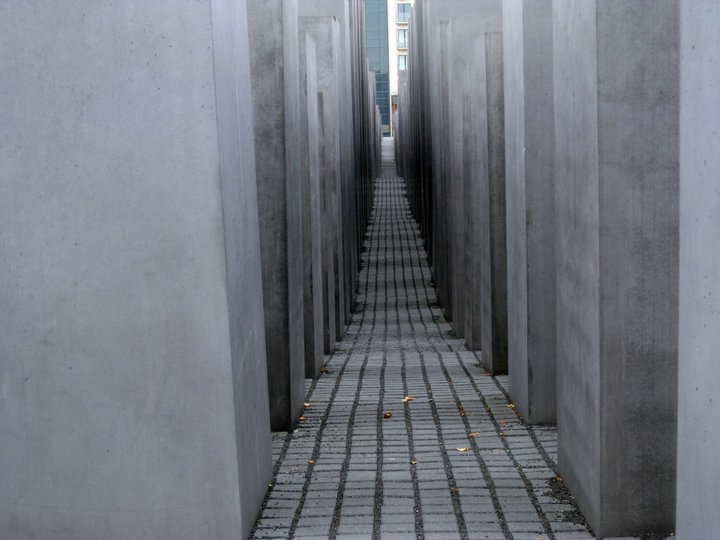 holocaust-memorial1