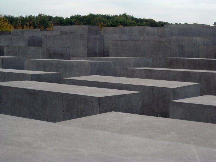 holocaust-memorial2
