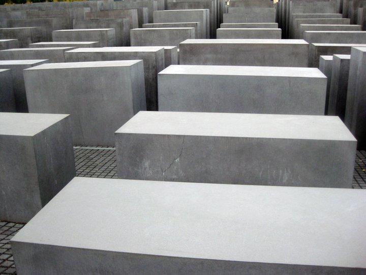 holocaust-memorial3