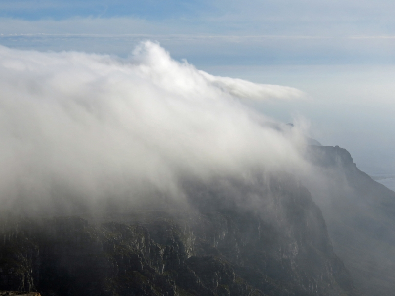 clouds-table mountain6