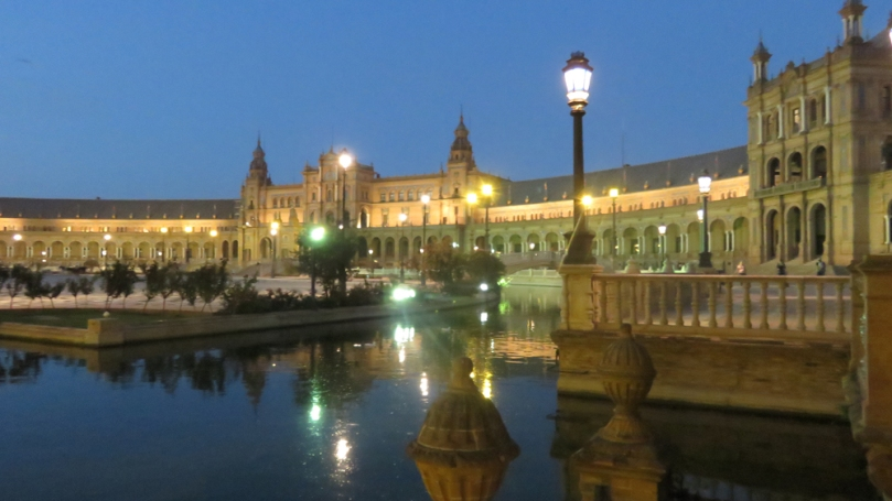plaza-de-espana-at-night-3