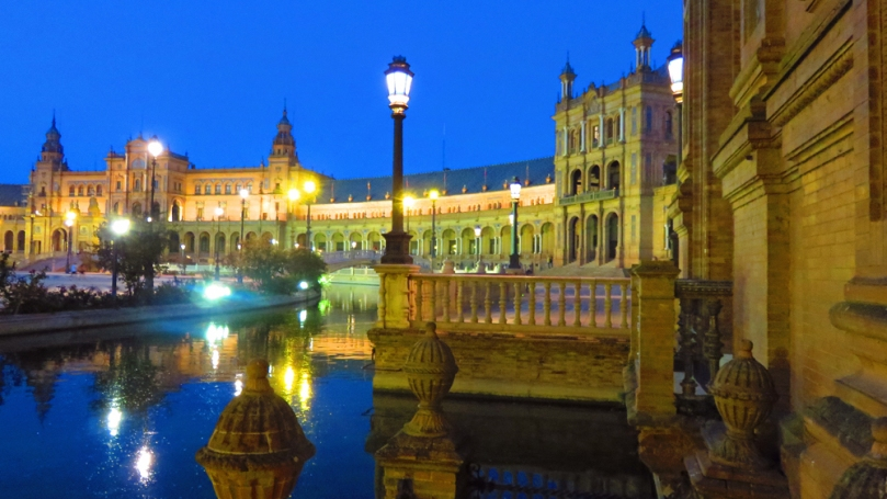 plaza-de-espana-at-night-6