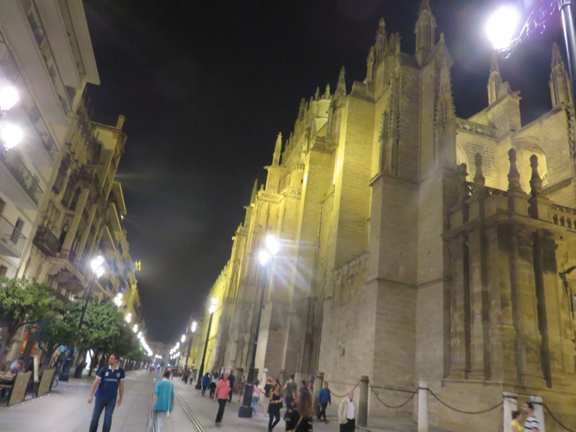 sevilla-at-night-01