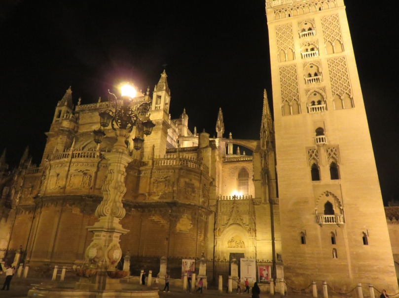 sevilla-at-night-02