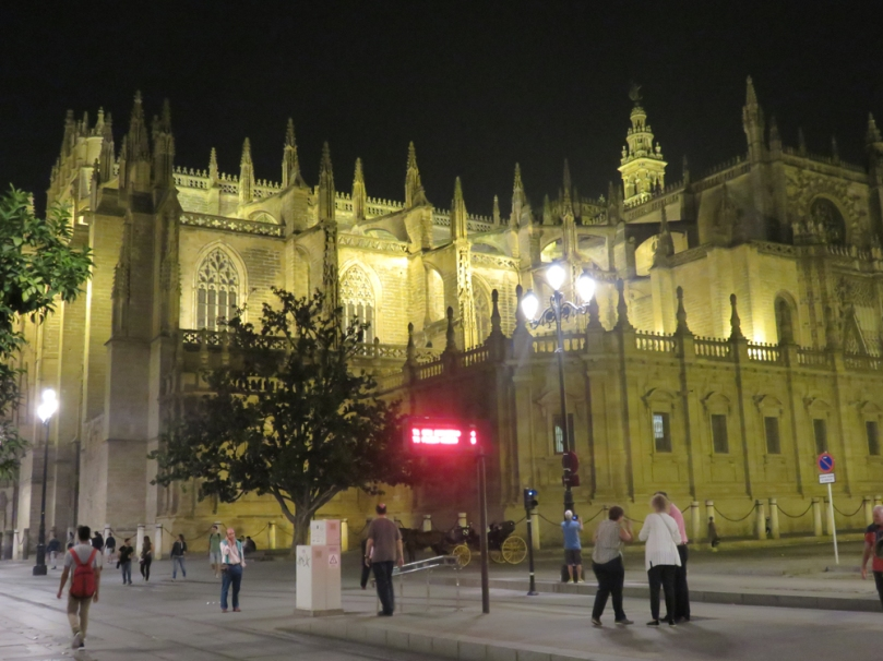sevilla-at-night-15